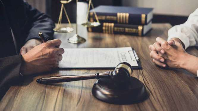 sussex-defence-solicitor-legal-advice.jpg
